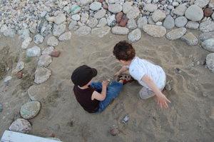 cahce-cache voitures dans la sable